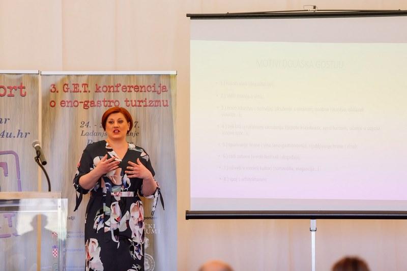 Željka Balja, nagrađivana diplomantica turizma sveučilišnog smjera: Vinski (eno-gastro) turizam kao posebni oblik ponude turističkih agencija