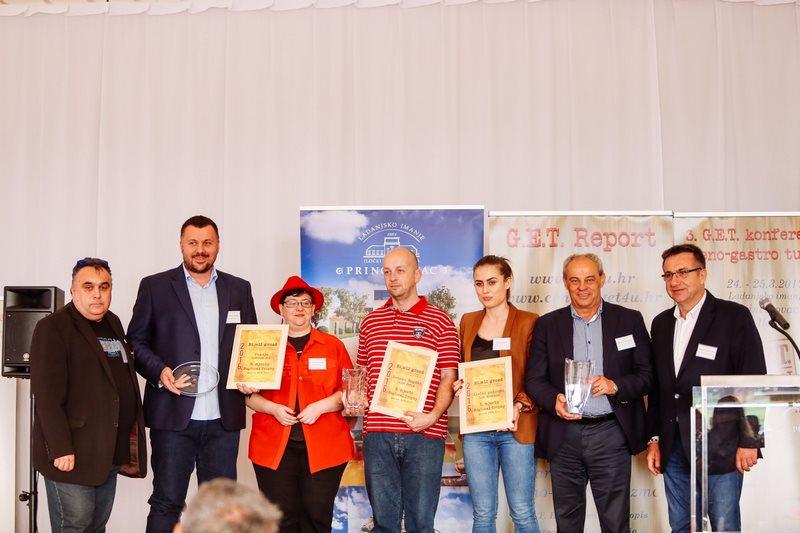 grozd Regional Trophy za sezonu 2016/2017: Iločki podrumi, Ilok (Hrvatska); Zvonko Bogdan, Palić (Srbija); Kozlović, Momjan (Hrvatska); Movia, Ceglo (Slovenija); Podrumi Vukoje 1982.; Trebinje (Bosna i Hercegovina)